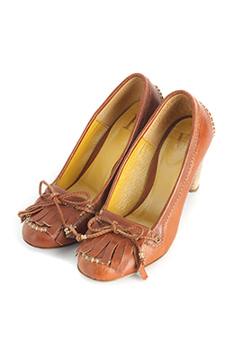 BROWN FRINGE PUMPS